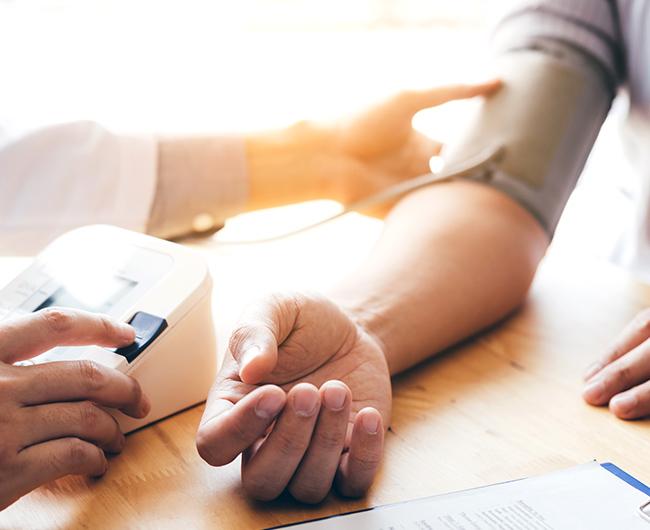 Cholesterin: Was sind die Symptome und Risikofaktoren?